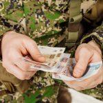 Алименты с пенсии военнослужащих, как взыскать деньги с военного пенсионера на содержание детей
