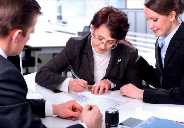 Как вступить в наследство после смерти мужа без завещания по закону, куда обращаться и какие нужны документы
